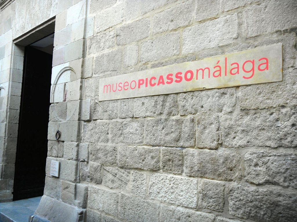 1280px-MuseoPicassoMalaga