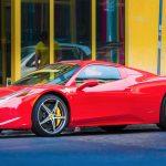 ¿Dónde conducir un Ferrari? ¡Haz rugir el motor de los deportivos más increíbles de la Tierra!