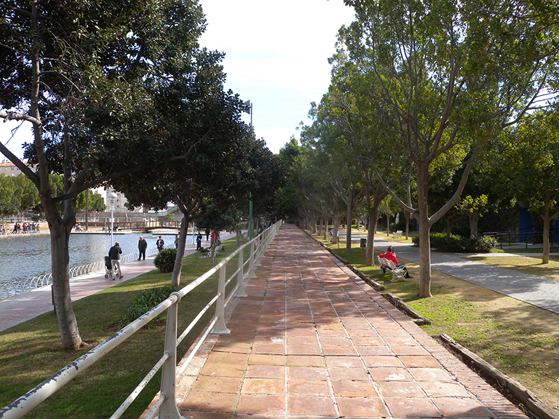 5 planes low cost en m laga for Cementerio jardin del oeste